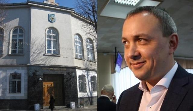 """Муляренко дивиться на розкішний будинок, якому """"100 років"""" (КОЛАЖ)"""